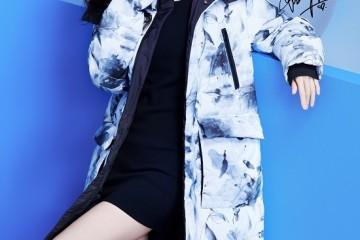 波司登再度携手杨幂推出2021时尚系列,引领羽绒服时尚趋势